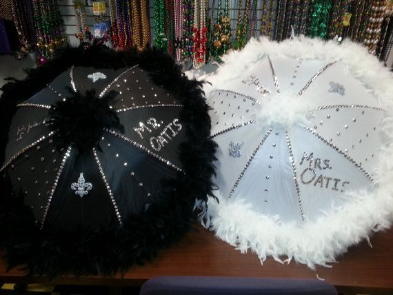 Welcome to Holliees Creations!!    This listing is for a 19 white or black Wedding Second line umbrella. This fabulous umbrella is decorated