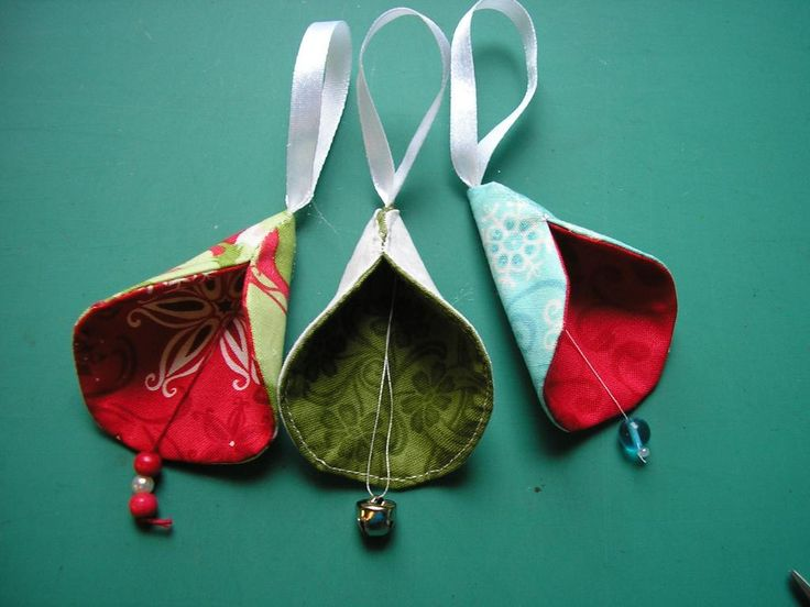 Free Pattern – Christmas Bells – Freedesigns.com                                                                                                                                                                                 More