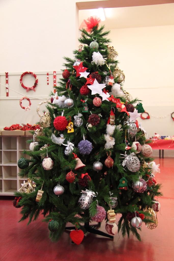 Albero del Mercatino di Natale della scuola elementare Montessori di Perugia, #ShareYourChristmasTree
