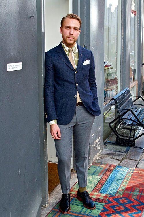 2015-04-24のファッションスナップ。着用アイテム・キーワードは30代, シャツ, ジャケット, スラックス, ドレスシューズ, ネクタイ, ブレザー, ポケットチーフ,etc. 理想の着こなし・コーディネートがきっとここに。| No:102683