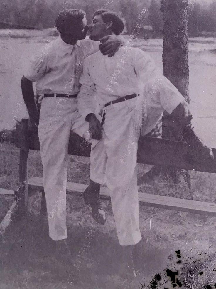 LOT 2 GLASS PHOTO NEGATIVES MEN KISSING 1890'S B&W EARLY GAY INT LGBT RARE 5x7