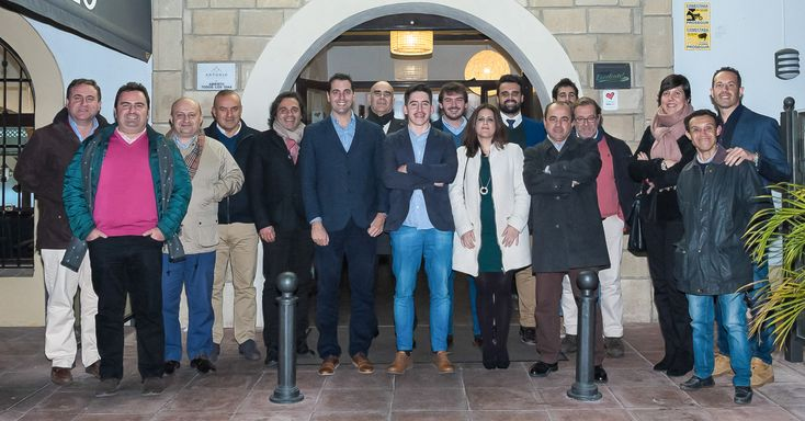 El Restaurante Antonio ha sido el lugar elegido para el encuentro festivo del equipo provincial del Grupo MIRA