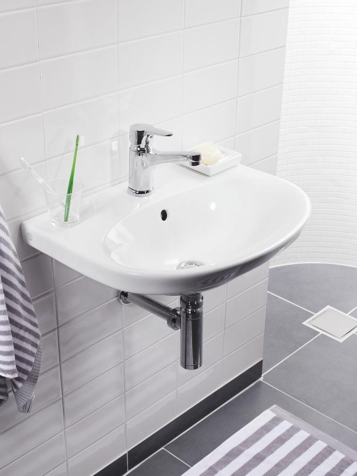 Tvättställ (>50 cm bredd) från Nautic serien. Praktiskt tvättställ med modern design.