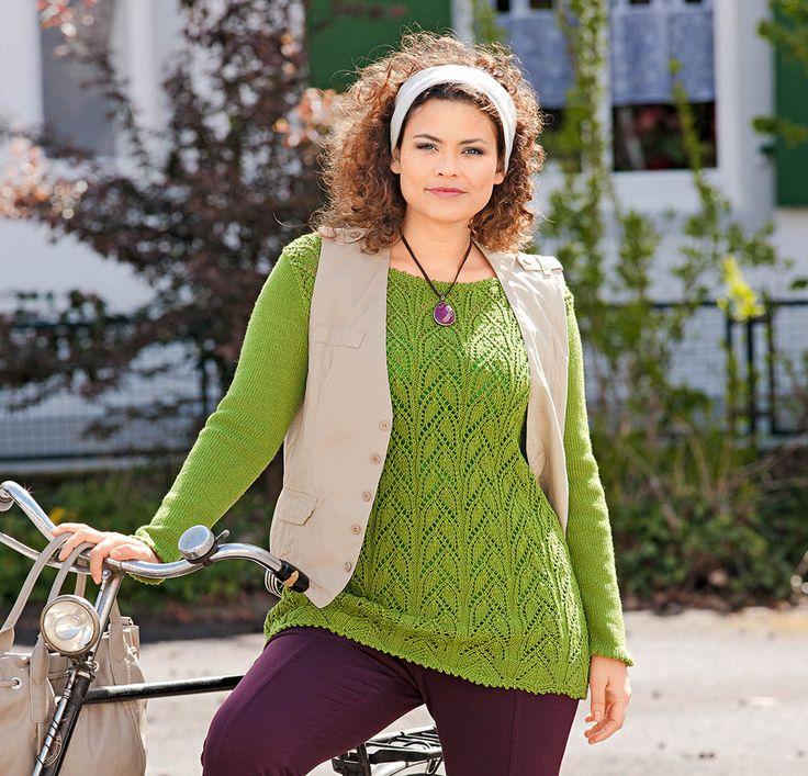 Приталенный силуэт, яркий цвет пряжи и классическое сочетание узоров делают этот джемпер идеальным для дам с формами.         РАЗМЕРЫ 42/44 (50/52)  ВАМ ПОТРЕБУЕТСЯ Пряжа (100% шерсти; 160 м/50 г) – 5…