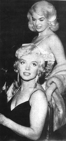 """1955: Marilyn Monroe and Jayne Mansfield at the'The Rose Tattoo' premiere.""""Jayne really liked Marilyn and she looks like the biggest fan girl ever that's just trying to control themselves in those pictures and Marilyn looks like she wants to die,her face in this picture in particular is actually beyond hilarious I have never seen her look so like she wanted to murder while Jayne is content just staring at the back of Marilyn's head lol.I can't even imagine how uncomfortable that must have…"""