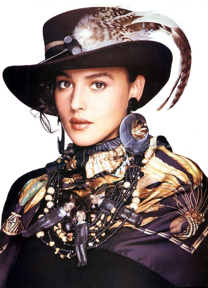 ELLE Italy 1988 photographer: Oliviero Toscani model: Monica Bellucci +++