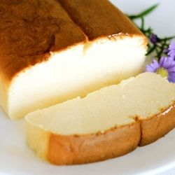 Super light, fluffy, melt in your mouth Japanese cheesecake! Japanese Cheesecake. Below is the amount of ingredients that WE can understand: 10.5 oz cream cheese 3 tbsp unsalted butter 3 egg yolks 1 tbsp + 1 tsp sugar 1tbsp cornstarch 2/3 cup of milk 3 egg whites 1/4 cup + 1 tsp sugar Use a 7 in cake pan with a fixed bottom Instructions are on the website.....