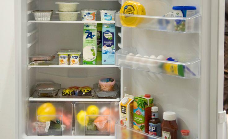Sijoita ruoat jääkaapissa oikeille paikoilleen.
