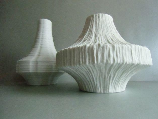 Vasen - HEINRICH Porzellan Vase mit RILLEN-Relief - ein Designerstück von susduett bei DaWanda