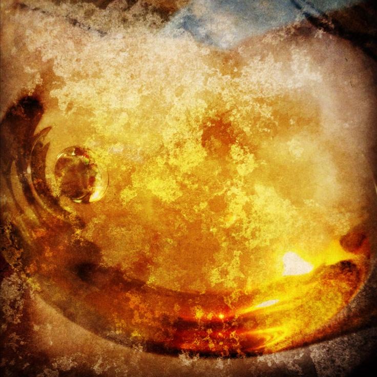 White Wine  www.taniaespondaaja.com  #art #photography #dailyphotoblog #wine