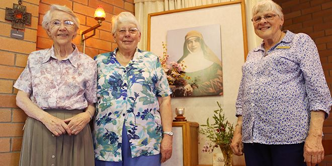 Mary's legacy: Josephite Sisters Brenda Keogh, Margaret McKenna and Genevieve Carroll have shared St Mary of the Cross MacKillop's story for the past 20 years. Sharing stories: St Maria Goretti School, Inglewood, will be the last school to walk through the doors of the Mary MacKillop Centre in Annerley.