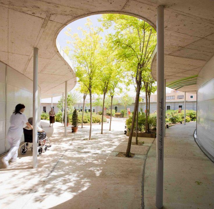 Gallery - Santa Rita Geriatric Center / Manuel Ocaña - 1