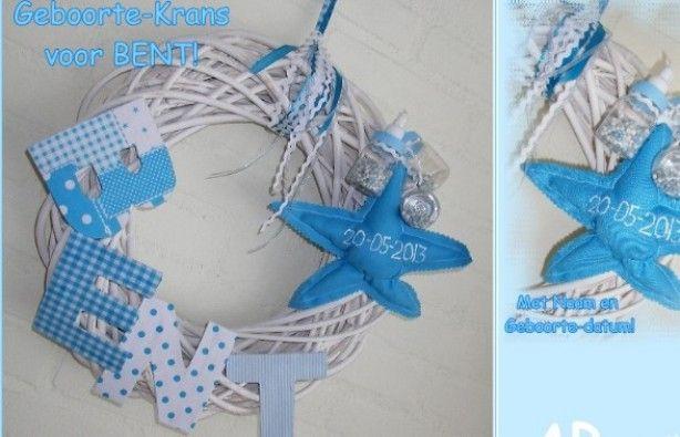 Geboorte-Krans voor een jongen, met naam en geboortedatum! Ook verkrijgbaar in de kleuren voor een meisje..!