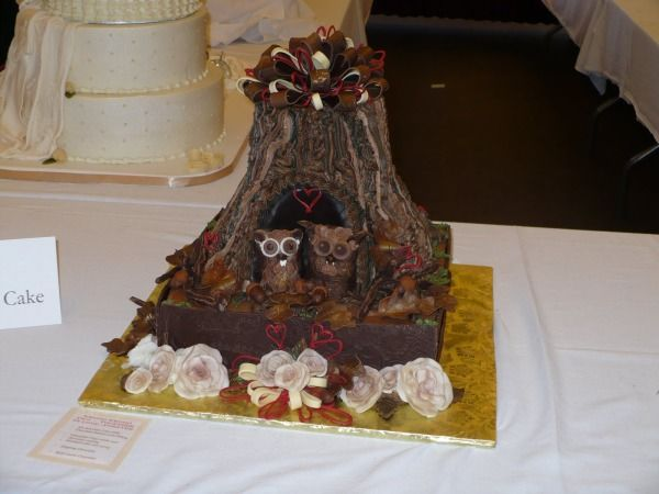 15 Ugliest Wedding Cakes, You've seen the glamorous cakes, but have you seen anything like these? Click Here to See The Full List ->  http://giantgag.likes.com/worst-wedding-cakes?pid=66196_source=mylikes_medium=cpc_campaign=ml_term=26888673