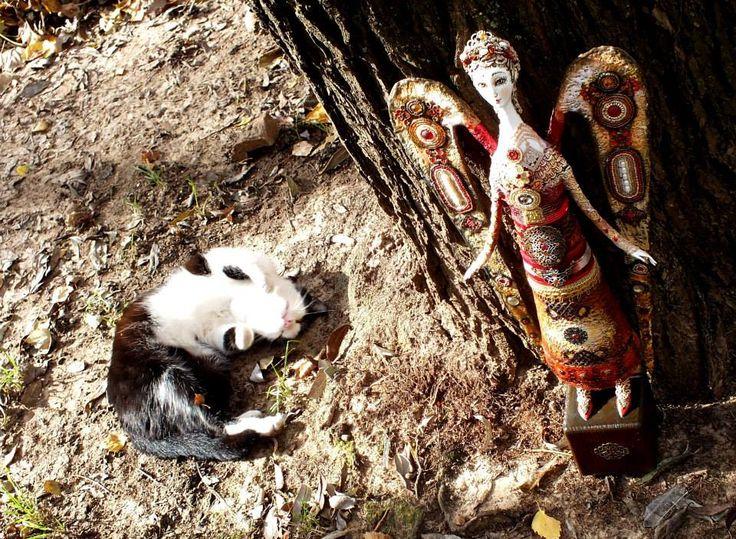 Румянцева Светлана АНГЕЛ  флюмо бисер камни 30 см и кошка