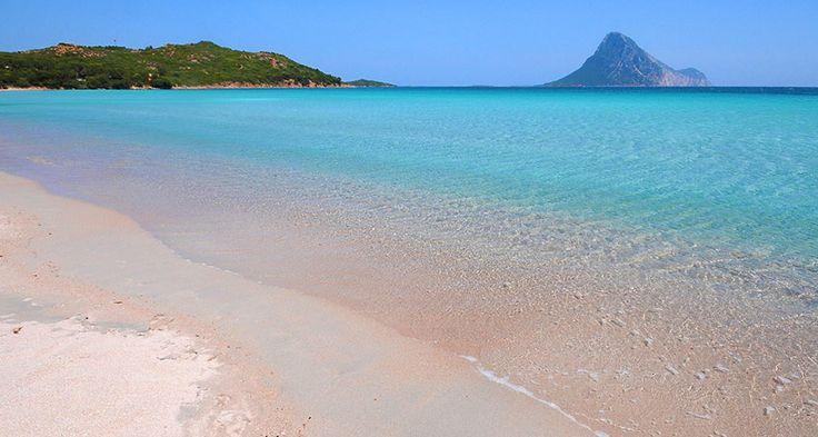 Sardinia_holidays_for_families_Sardinia_Family_Holidays_with_kids_San-Teodoro-Beach