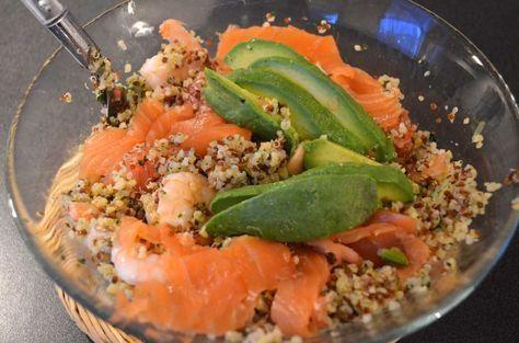 recette salade quinoa, saumon, crevette, avocat remplacer le pamplemousse par de la grenade!