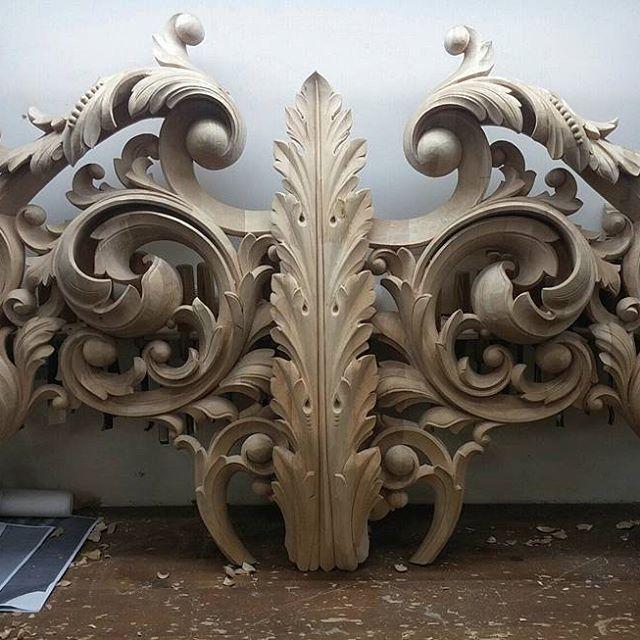 Да.. Красиво получается. В живую более эффектно выглядит, конечно! #woodcarving#woodcrafting#ornaments#pattern#ornament#patterns#carving#wood#frame#handmade#art#workplace#masterpiece#drawing#woodwork#handwork#woodworking#baroque#woodart#узоры #рама#резьбаподереву#искусство#резьба#ручнаяработа#художник#орнамент#мастерство#handcarved#scroll