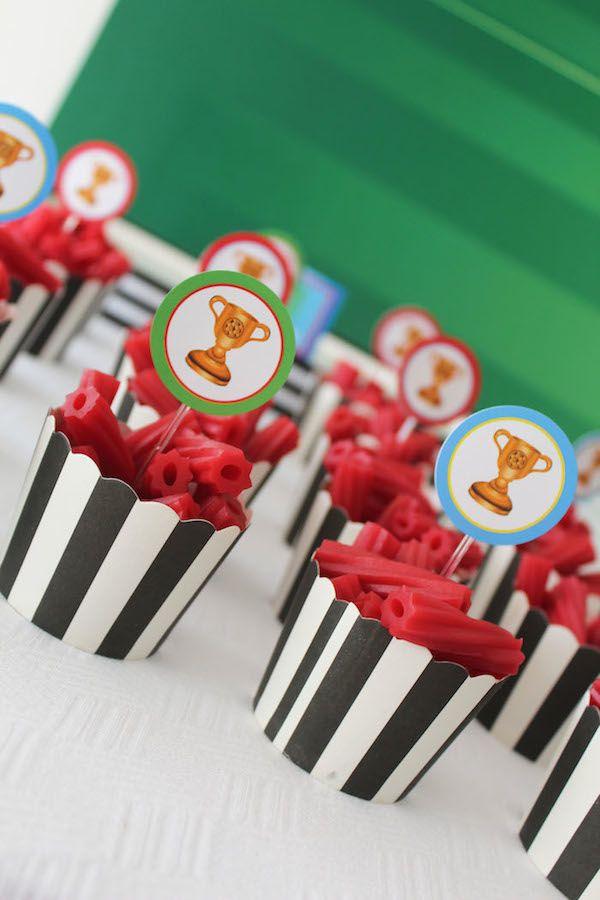 17 mejores ideas sobre centros de mesa de fiesta de f tbol - Ideas para fiestas de cumpleanos infantiles ...