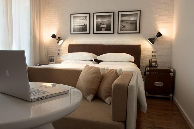 DOM EDIZIONI - Relax #domedizioni #luxuryfurniture #luxurybedroom #relax #luxuryliving #lollosmalltable #clivesofa