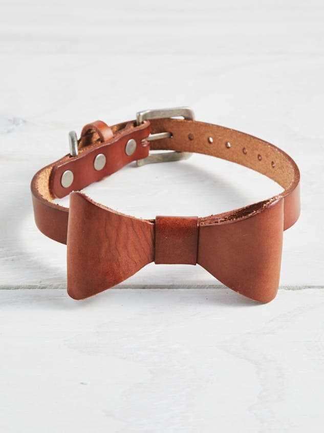 Bear Ollie S Leather Bow Dog Collar Medium Diy Leather Dog Collar Cute Dog Collars Leather Dog Collars