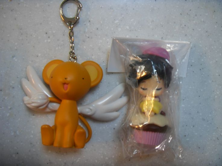 2016.2.9. Cardcaptor Sakura Kero character key holder and Japanese character figure Sujung bought in Tokyo.