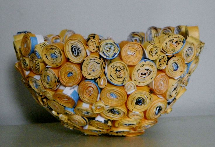 How to recycle magazines - tutorial for a rolled magazine bowl