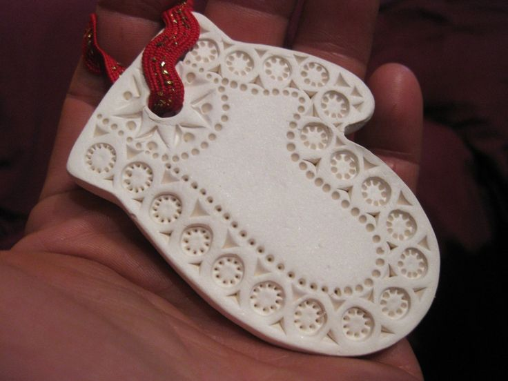 Terry Hogan-carved ornament -- another pretty ornament
