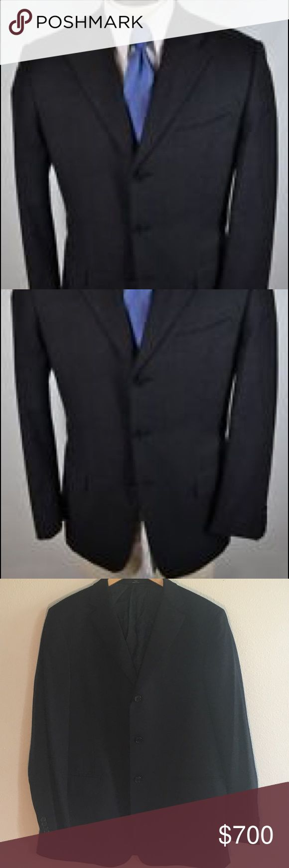 ⭐️HOST PICK⭐️Valentino Spa Mens Black Wool Blazer Valentino Spa Mens Black Wool Three Button Blazer Jacket Size 46 regular This black blazer from Valentino features wool and rayon construction for an elegant look and feel. A three-button, notched lapel jacket with three external pockets and four internal pockets complete this classic look. Excellent condition. Never worn. Valentino Jackets & Coats