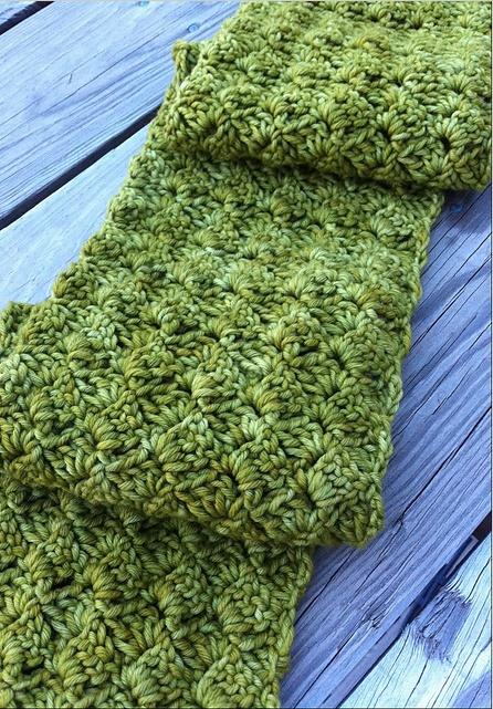 Free crochet pattern - spring petals scarf