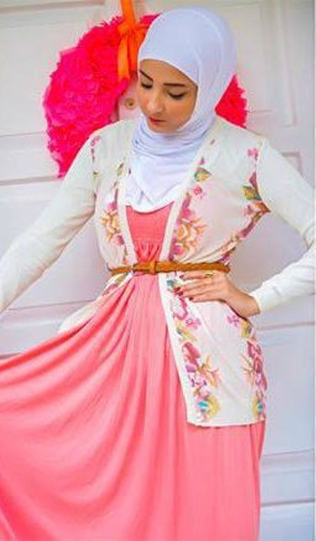 Modest hijab outfits by Devushka http://www.justtrendygirls.com/modest-hijab-outfits-by-devushka/