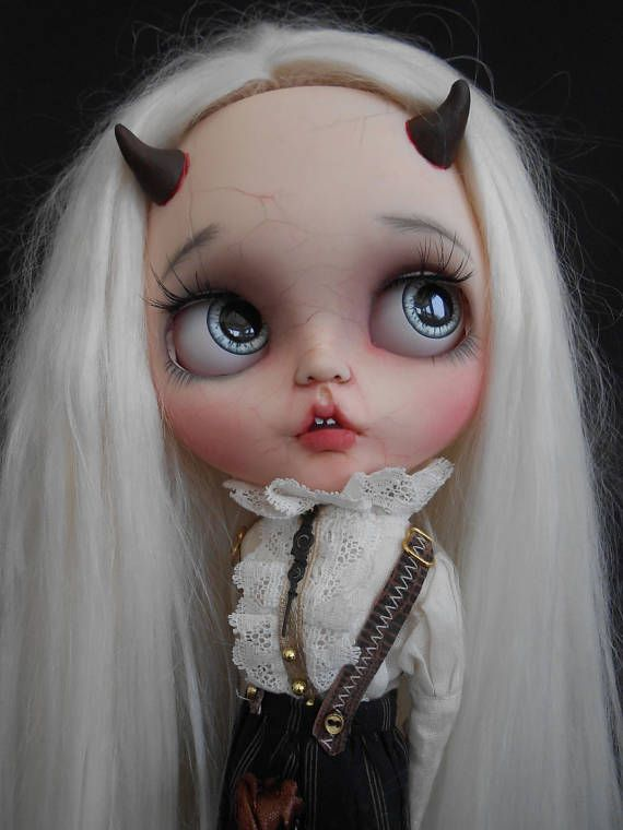 Custom Blythe Doll Faceplates work includes - Face sand matted and makeup sealed with Msc Flat. Lips, nose and philtrum carved. Horns added. Please note these faceplates have been customized so no longer factory perfect so please make sure you like what you see as I do not do