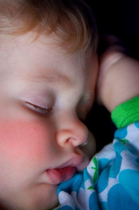 Koorts bij kinderen. Daar wil je graag snel vanaf. Maar welke functie heeft koorts? En hoe help je je kind met koorts? Koorts is...