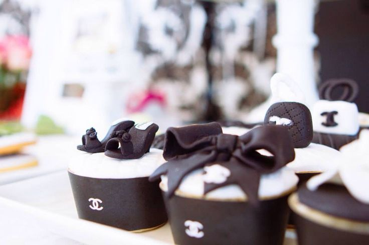 Chanel Cupcakes x