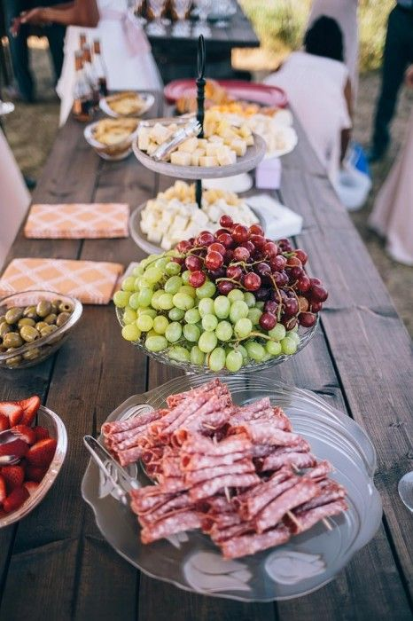 MJ&Co. intimate country wedding near Saskatoon, Sk. https://mjand.co/intimate-outdoor-wedding-photography-near-saskatoon/