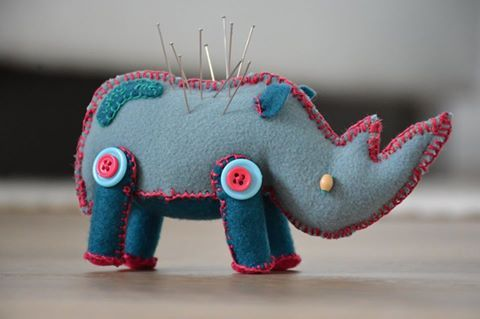 Meet Gugu, she is a handmade rhino treasure that can be used as a pincushion or simply as an ornament. Although the purpose she serves is up to you! Her South African name, meaning TREASURE originates from the Zulu language. Take her home for only 8 euro as your new friend.