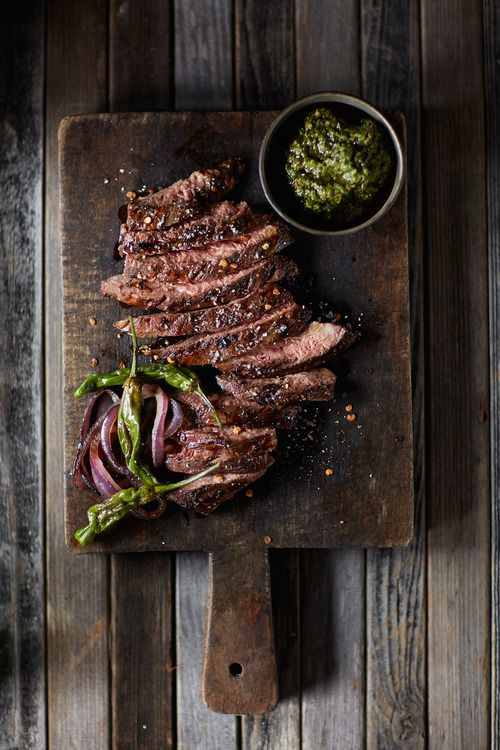 STEAK, PESTO, SHISHITO PEPPER & GRILLED RED ONION [noelbarnhurstblog] [plating idea, image only]