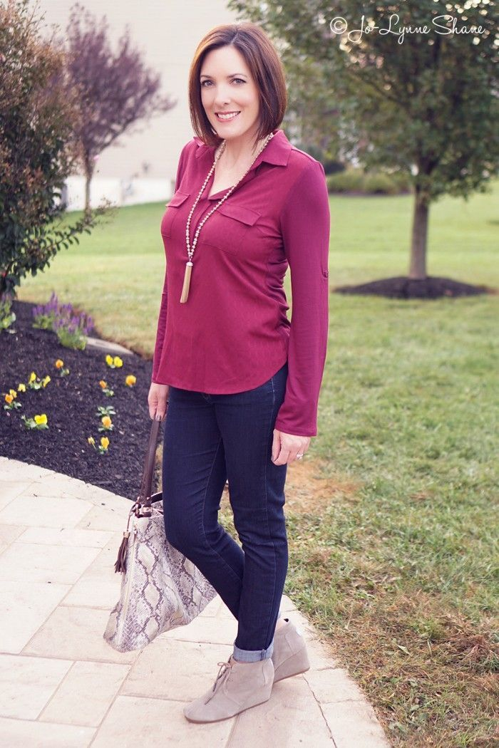 Fall Outfit Mixed Media Top + Skinny Jeans + Ankle Boots   Fall outfit ideas Cute tops and For ...