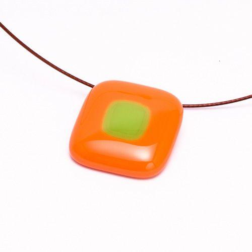 Narancs-zöld medál