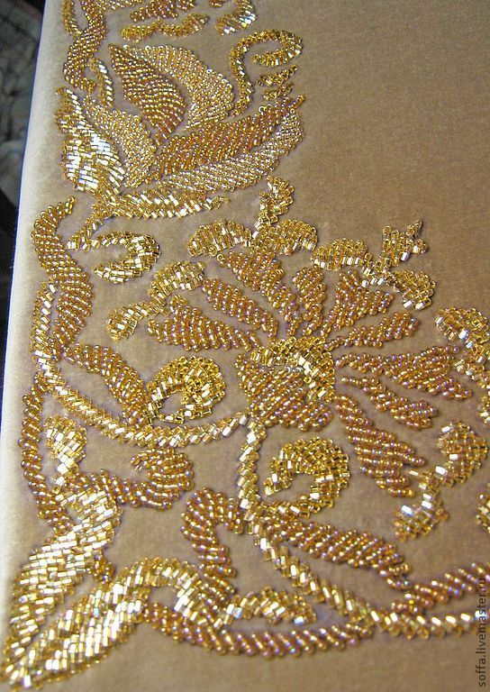 Купить Заказная скатерть на столик(вышивка бисером,стеклярусом-ручная работа) - Авторская ручная вышивка