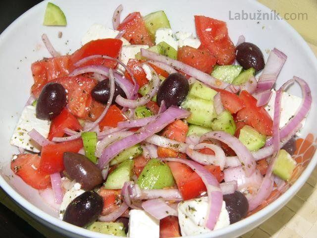 Choriatiki (řecký salát)