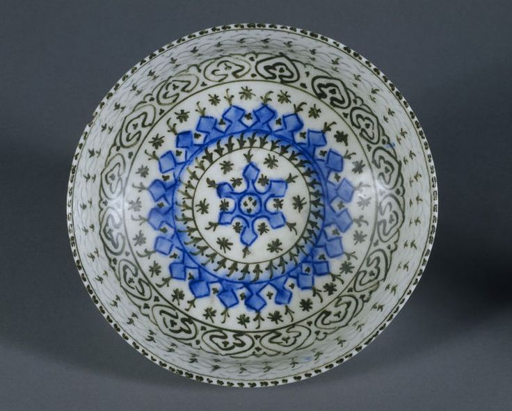 Footed bowl      Place of origin:      Iran (made)     Date:      1650-1725 (made)     Artist/Maker:      Unknown (production)   ...