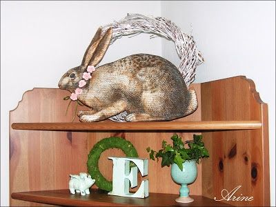 Wielkanocne, ręcznie robione ozdoby.