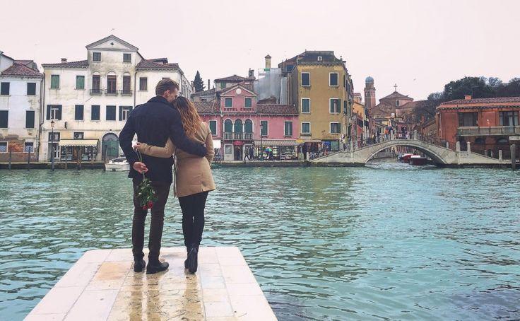romantic walk in Venezia