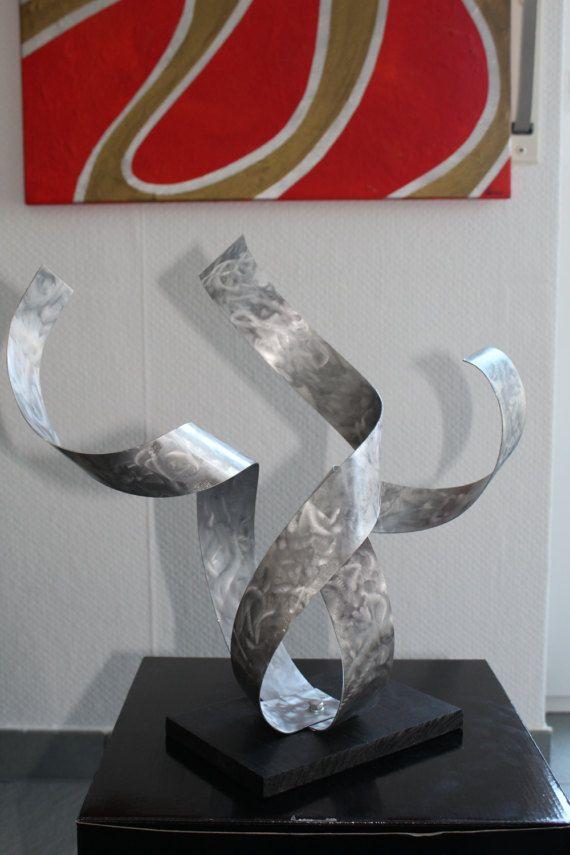Artistas abstractos únicos  Pulpo  Extravagante Cinética, Handgeformte y Espaciador  Escultura de aluminio sobre base de madera por ExclusivArtDesign El aluminio ha sido pulido a mano en un proceso especial y sellada con laca clara  Así un efecto 3D en una luz apropiada  La