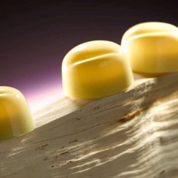 Categoría: Chocolates Producto: Chocolate Cobertura Blanco Para Templar Envase: Paquete Presentación: X 1 Kg Marca: Belcolade