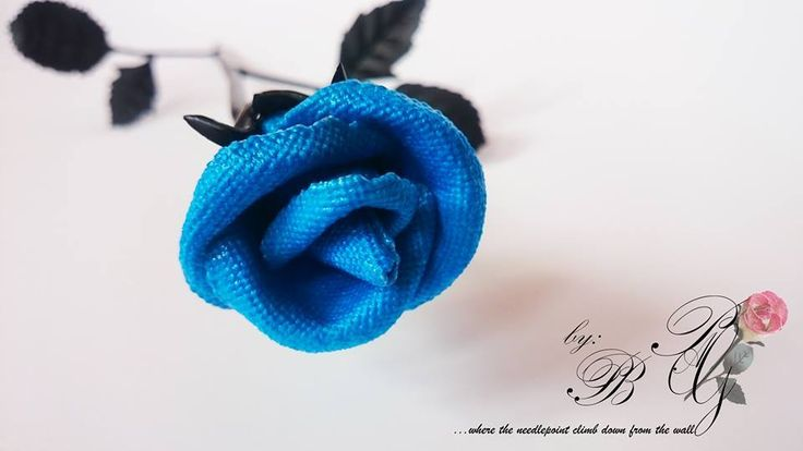 Unique PAG double-sided needlepoint Rose in the blue color