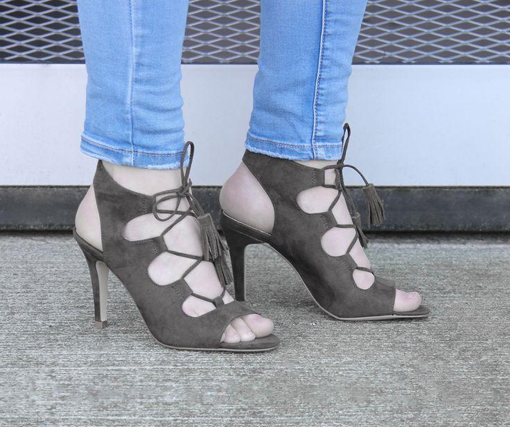 Elegante damessandalen van La Strada. Ga voor de 70's look! https://www.sooco.nl/la-strada-935933-groene-sandalen-met-hak-26041.html
