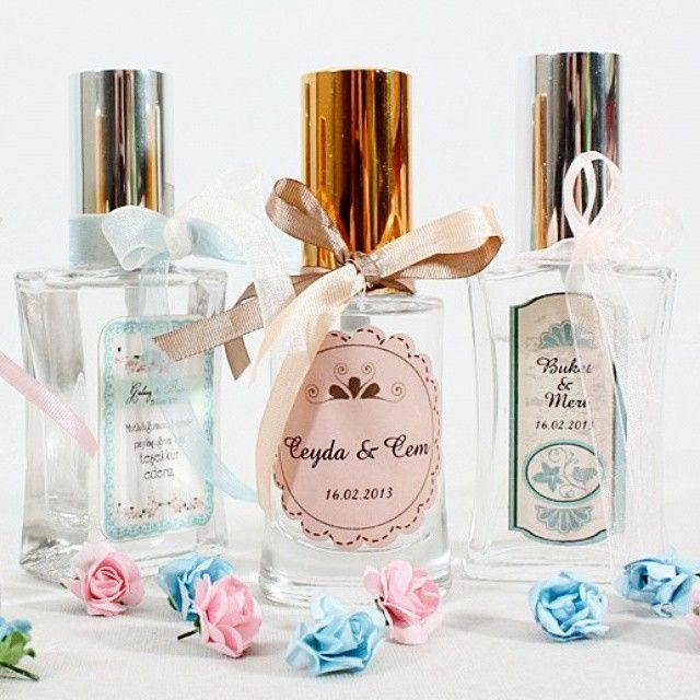 kolonya ve parfüm şişesi