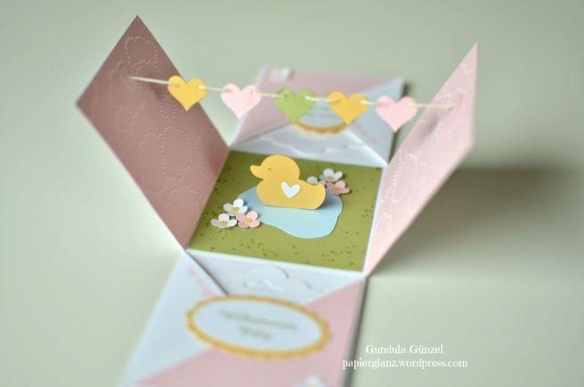 Explosionsbox mit gelber Ente